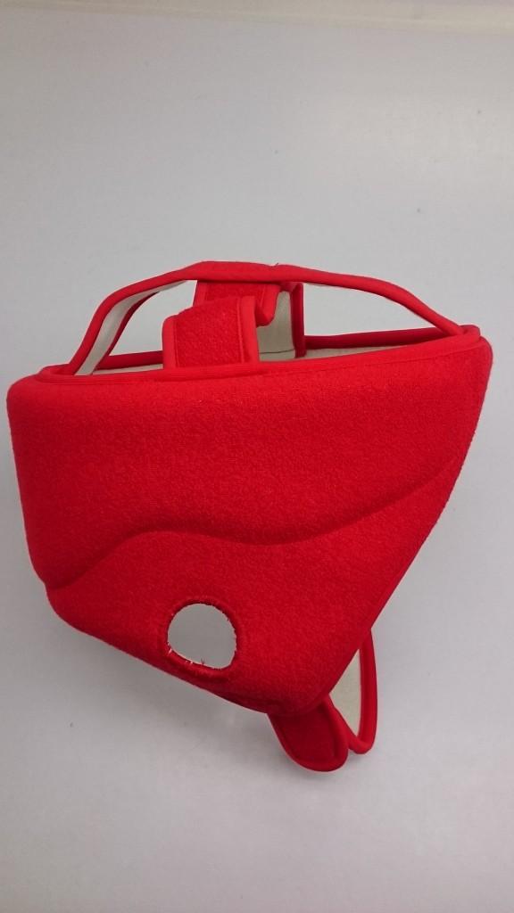 赤色のヘッドキャップ